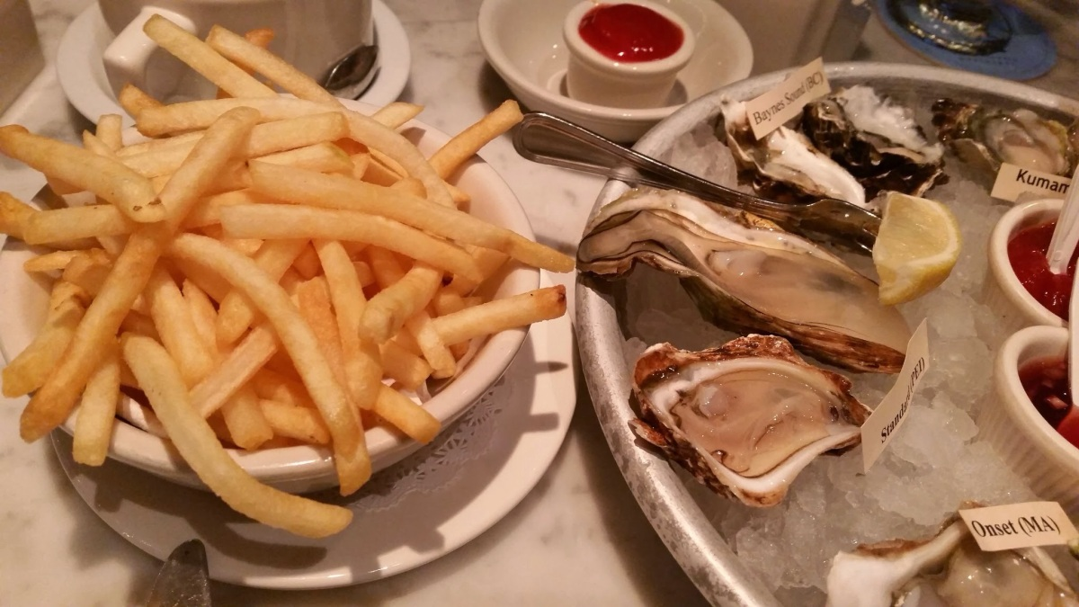 Oysters!  Elm Street Oyster House in Greenwich, CT
