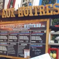 La Boite Huitres, The Oyster Box, at the Marché Jean-Talon in Montreal